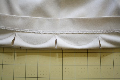 how to close a deep cut without stitches