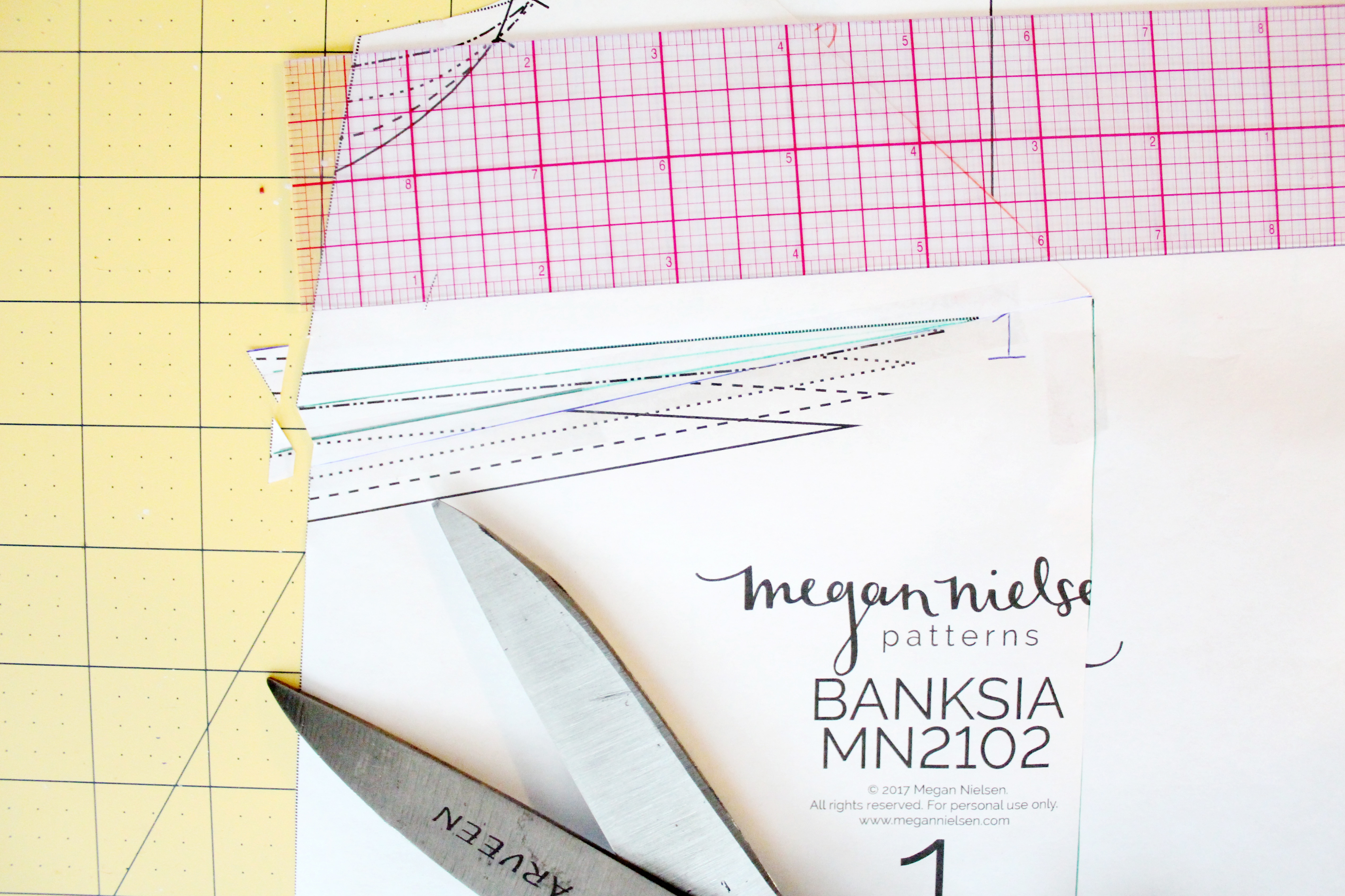 how to do a small bust adjustments on the Banksia Blouse // tutorial on Megan Nielsen Design Diary