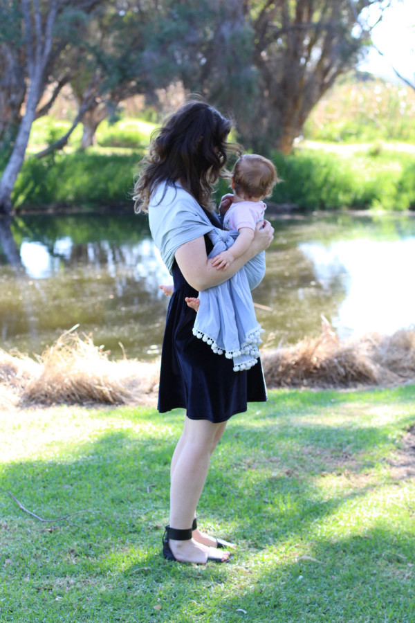 How to make and wear a Rebozo style baby wrap // Megan Nielsen Design Diary