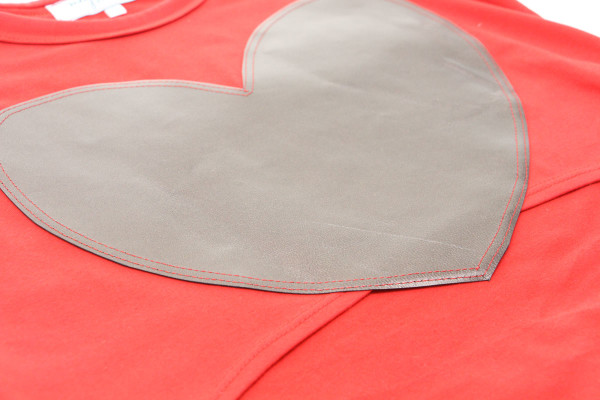 How to sew leather appliques to a t-shirt
