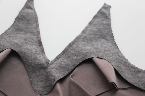 How to sew a perfect V neckline on a faced woven top // shown using Megan Nielsen's Reef camisole sewing pattern