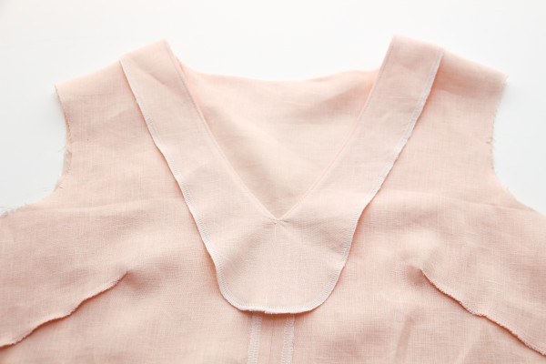 How to sew a neckline facing // Megan Nielsen Design Diary // Dove blouse sewalong