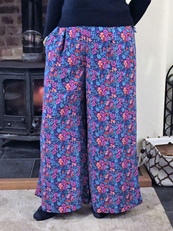 Megan Nielsen Flint pants and shorts pattern tester roundup!