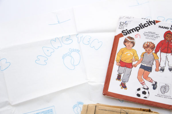 Simplicity 5591 Hang Ten vintage 1982 childs sweat suit sewing pattern // Megan Nie