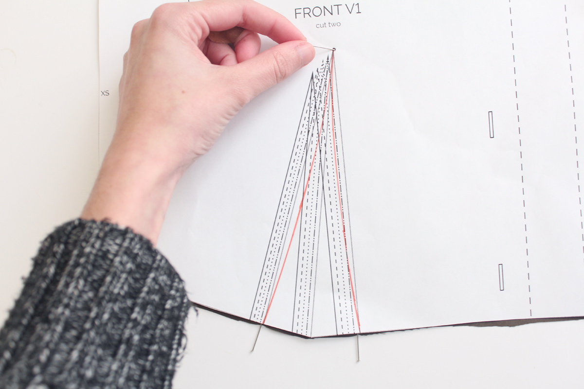 how to do the darts and bodice seams on the Darling Ranges pattern // tutorial on Megan Nielsen Design Diary