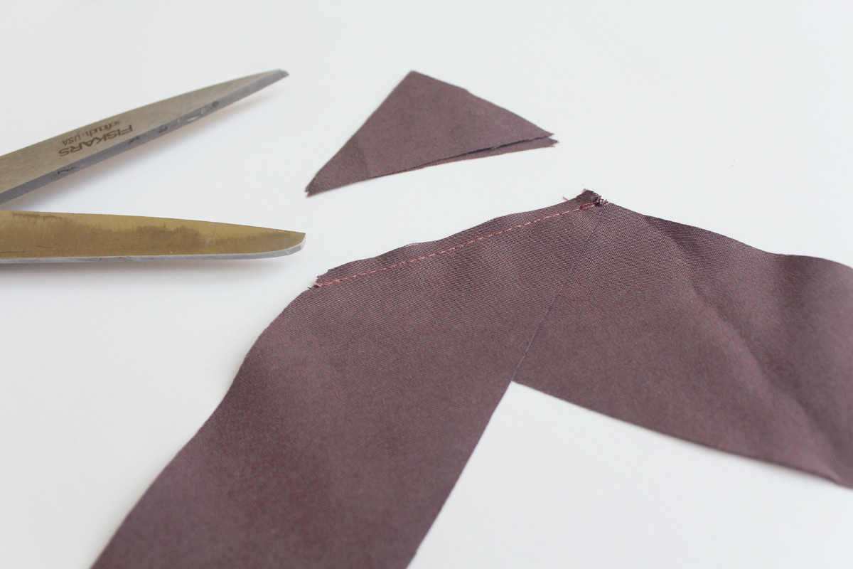 how to make a sleeveless Darling Ranges pattern // tutorial on Megan Nielsen Design Diary