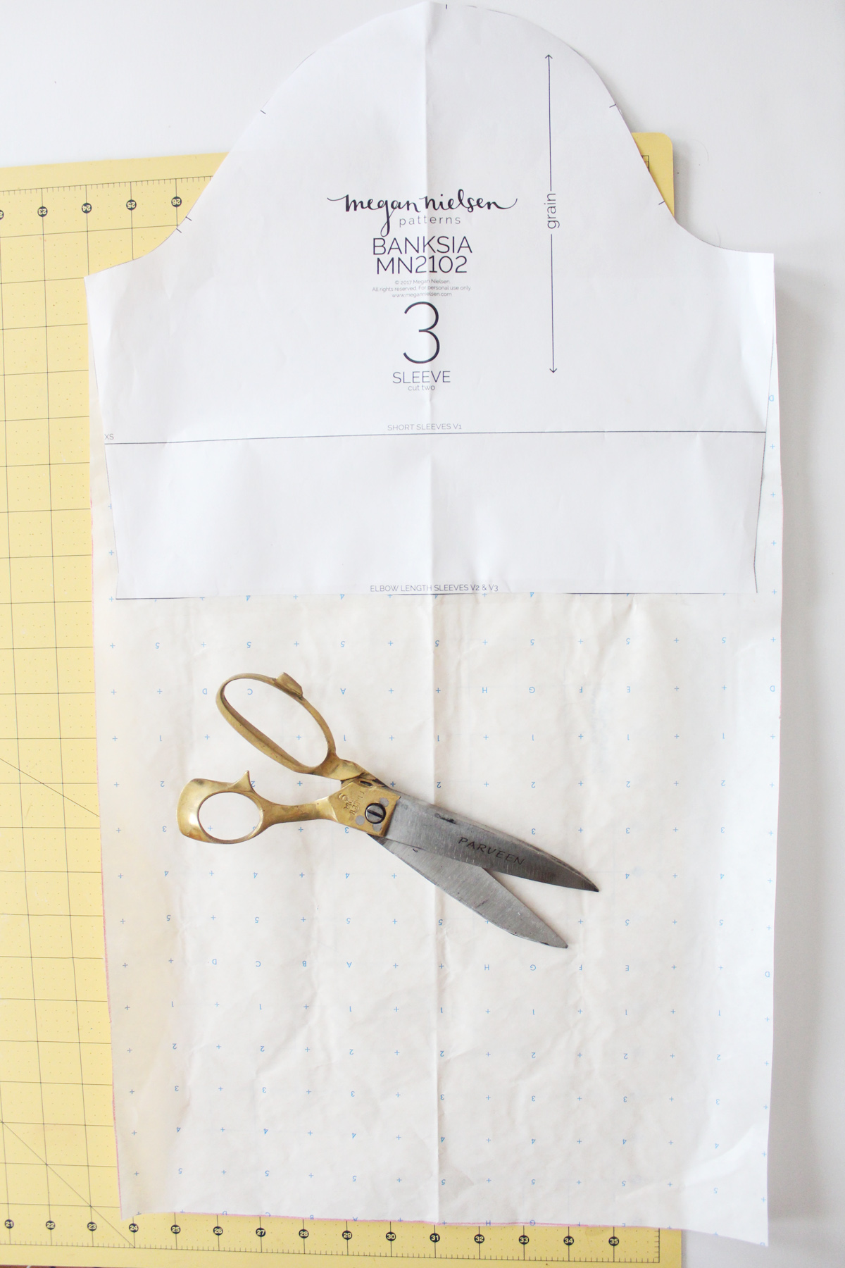 how to lengthen the sleeves on the Banksia Blouse // tutorial on Megan Nielsen Design Diary