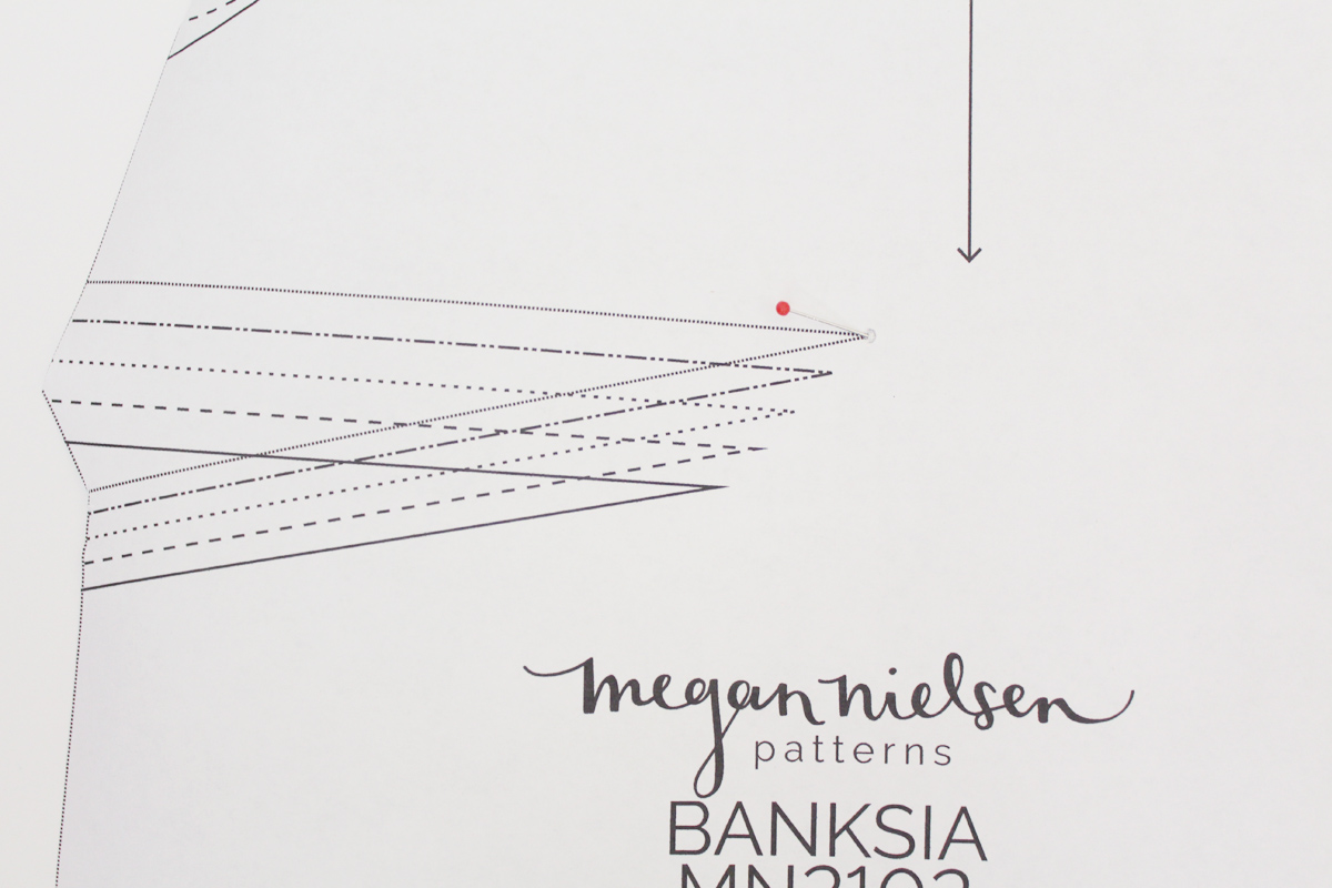 Sewing the darts and seams on the Banksia Blouse // tutorial on Megan Nielsen Design Diary