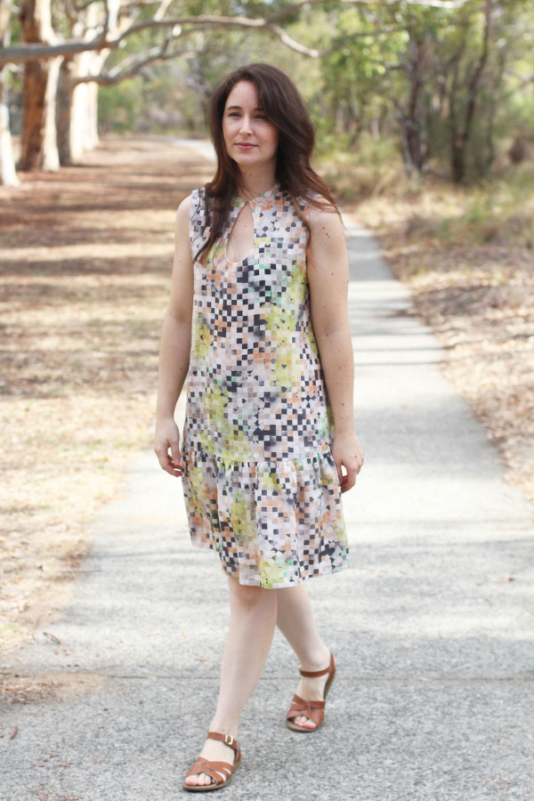 Megan Nielsen Sudley sewing pattern : bonus variation with drop waist and no sleeves