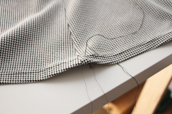 Axel pattern tutorial // How to sew a handkerchief hem on knit fabric