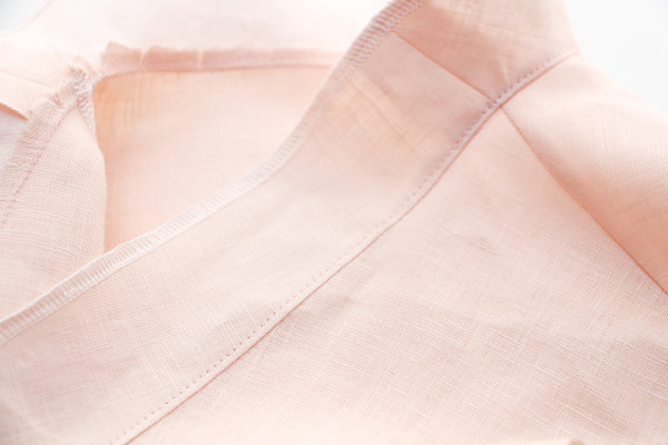 How to sew a neckline facing // Megan Nielsen Design Diary // Dove blouse sewalong