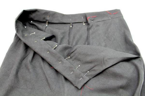 How to sew a button up waistband // Flint pants and shorts sewalong on Megan Nielsen Design Diary