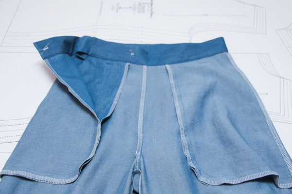 How to sew a tie side waistband // Flint pants and shorts sewalong on Megan Nielsen Design Diary