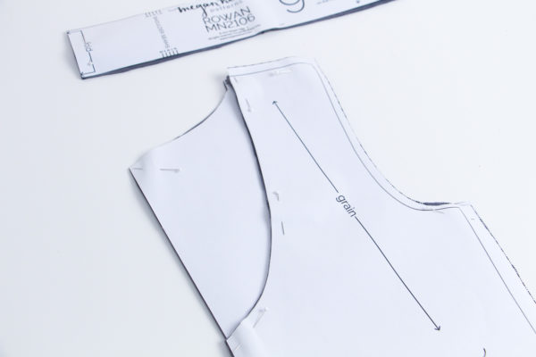 How to draft a scoop neckline for the Rowan bodysuit and tee // Rowan bodysuit and tee sewalong on Megan Nielsen Design Diary