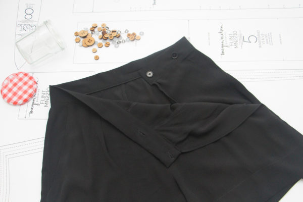 Megan Nielsen Black crepe Flint shorts with button closure
