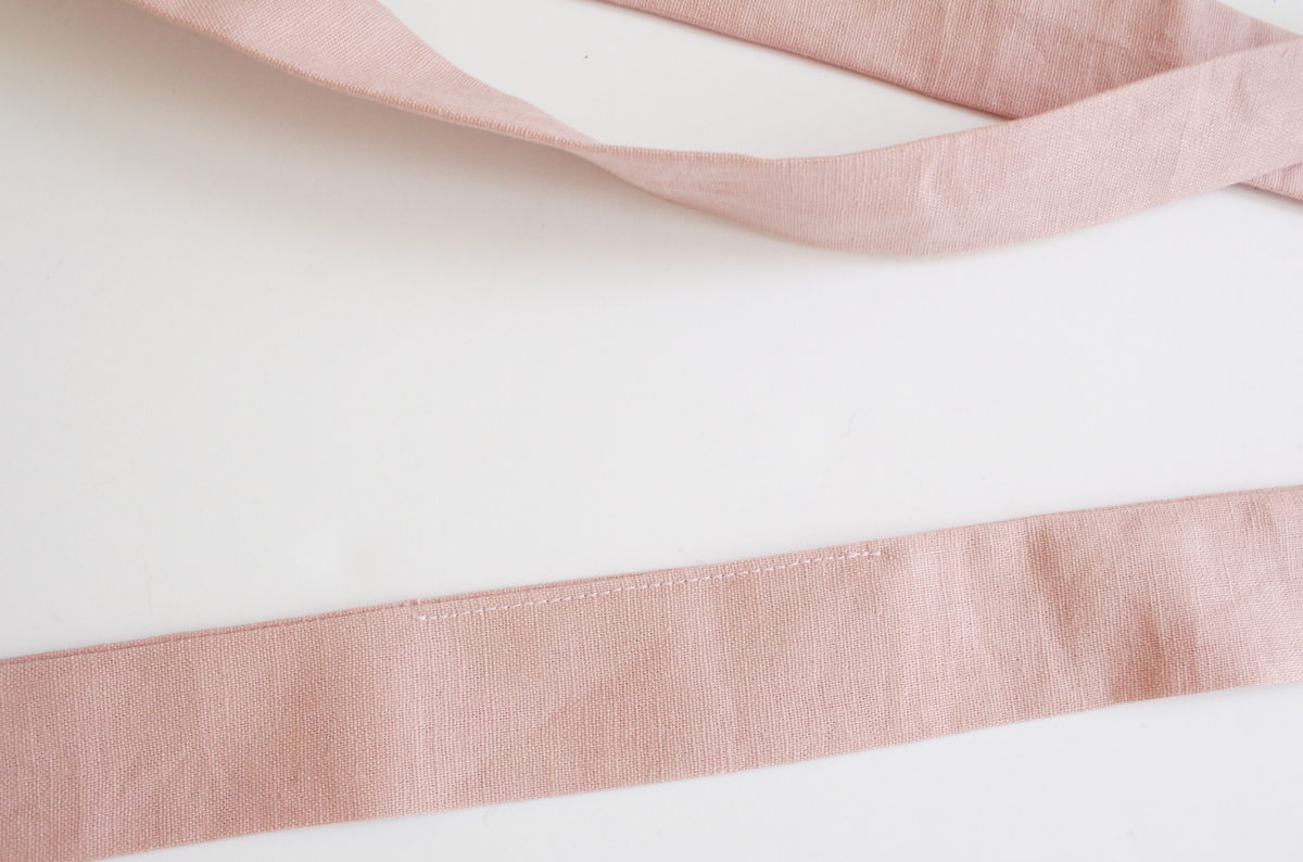 how to add belt loops and a belt to the River pattern // tutorial on Megan Nielsen Design Diary