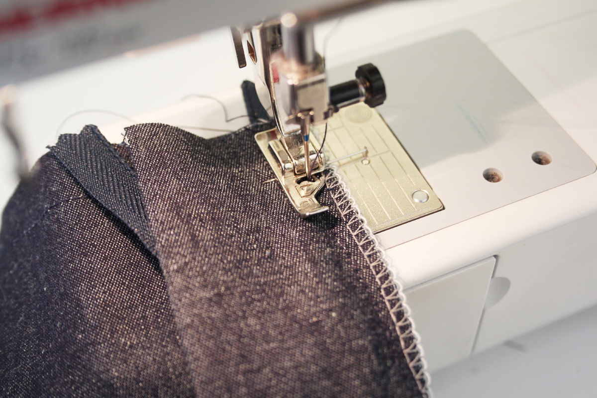 how to sew the fly front on the Ash jeans pattern // tutorial on Megan Nielsen Design Diary