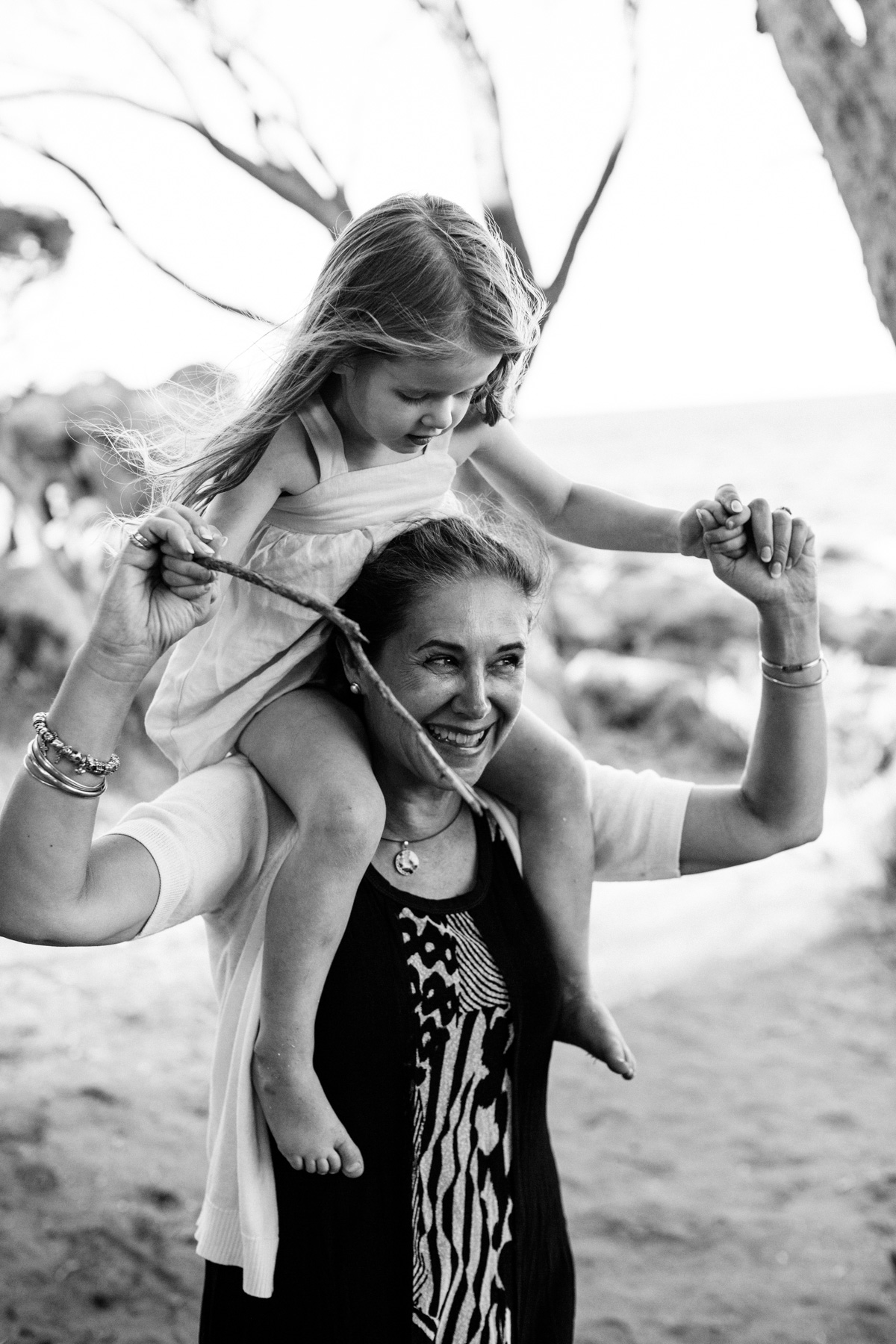 Megan Nielsen family photo session with Holly Murphy in Bunker Bay