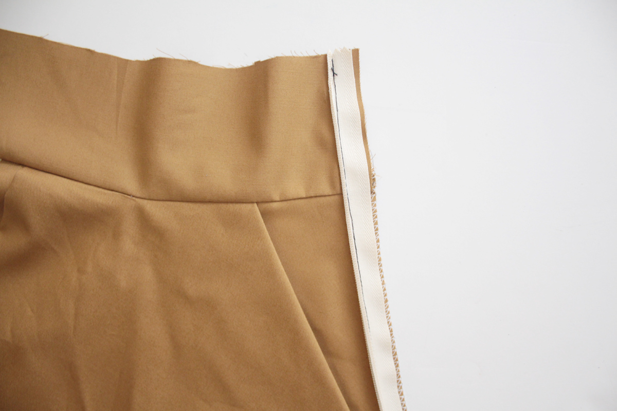 two ways to sew the waistband facing on the Tania Culottes by Megan Nielsen Patterns