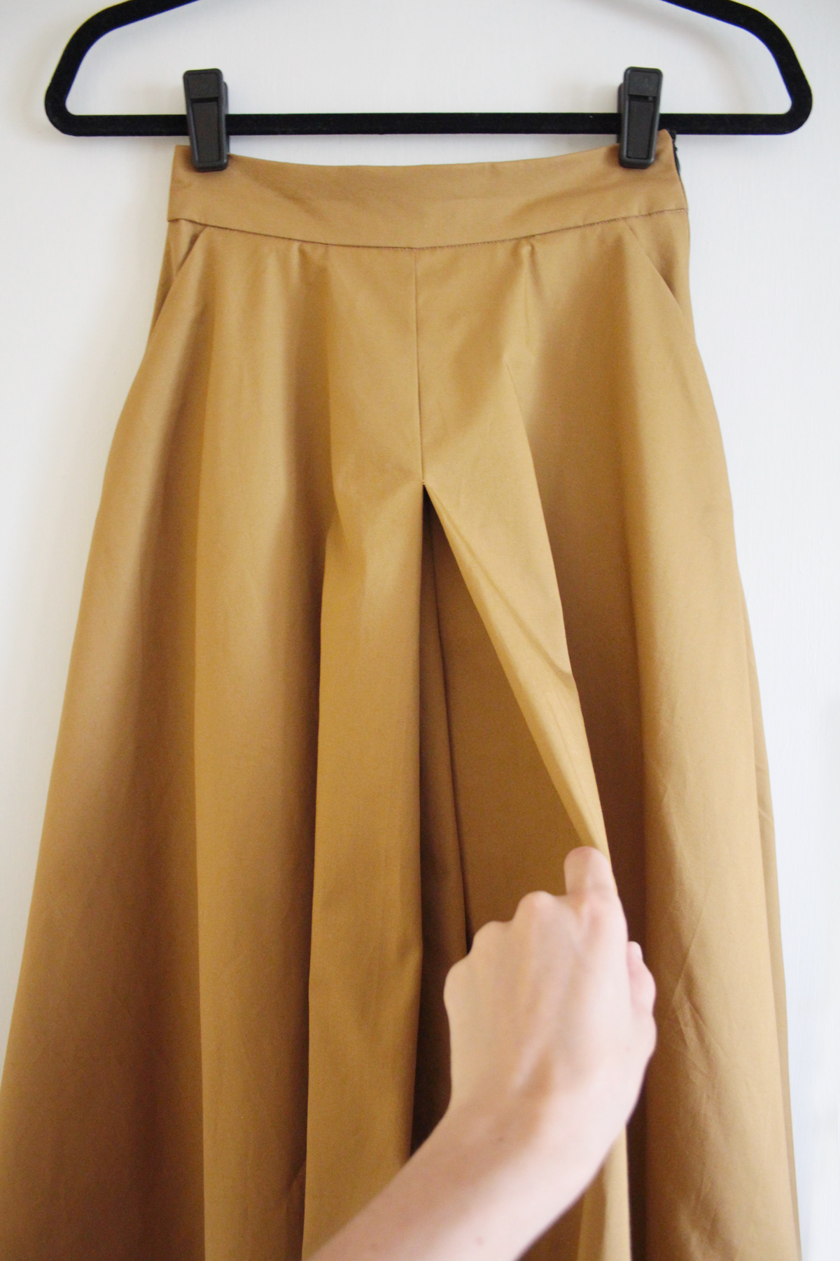 How to sew the front and back pleats on the Tania Culottes by Megan Nielsen Patterns