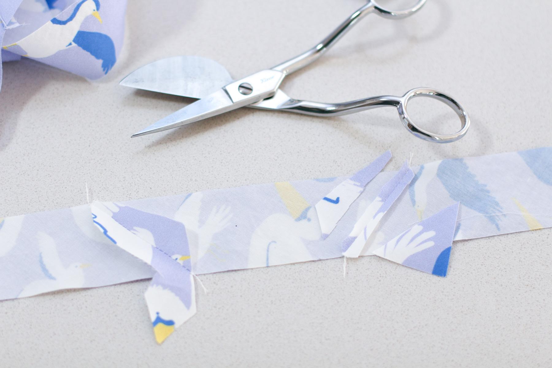 I do not like my duckbill scissors // Megan Nielsen Design Diary