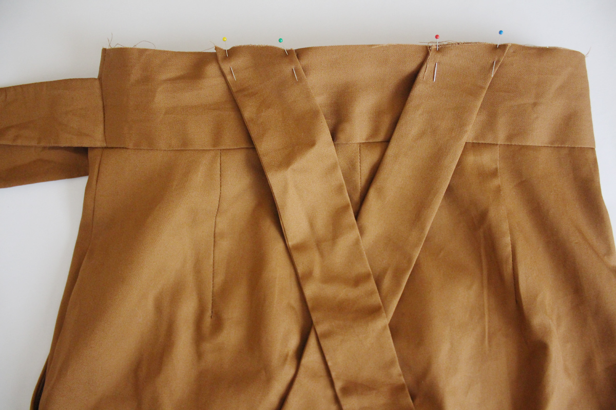 How to make bib overalls for the Flint pants and shorts by Megan Nielsen Patterns