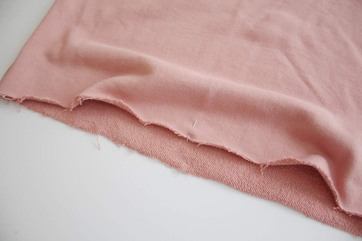 How to sew the hem band on the Jarrah sweater by Megan Nielsen Patterns