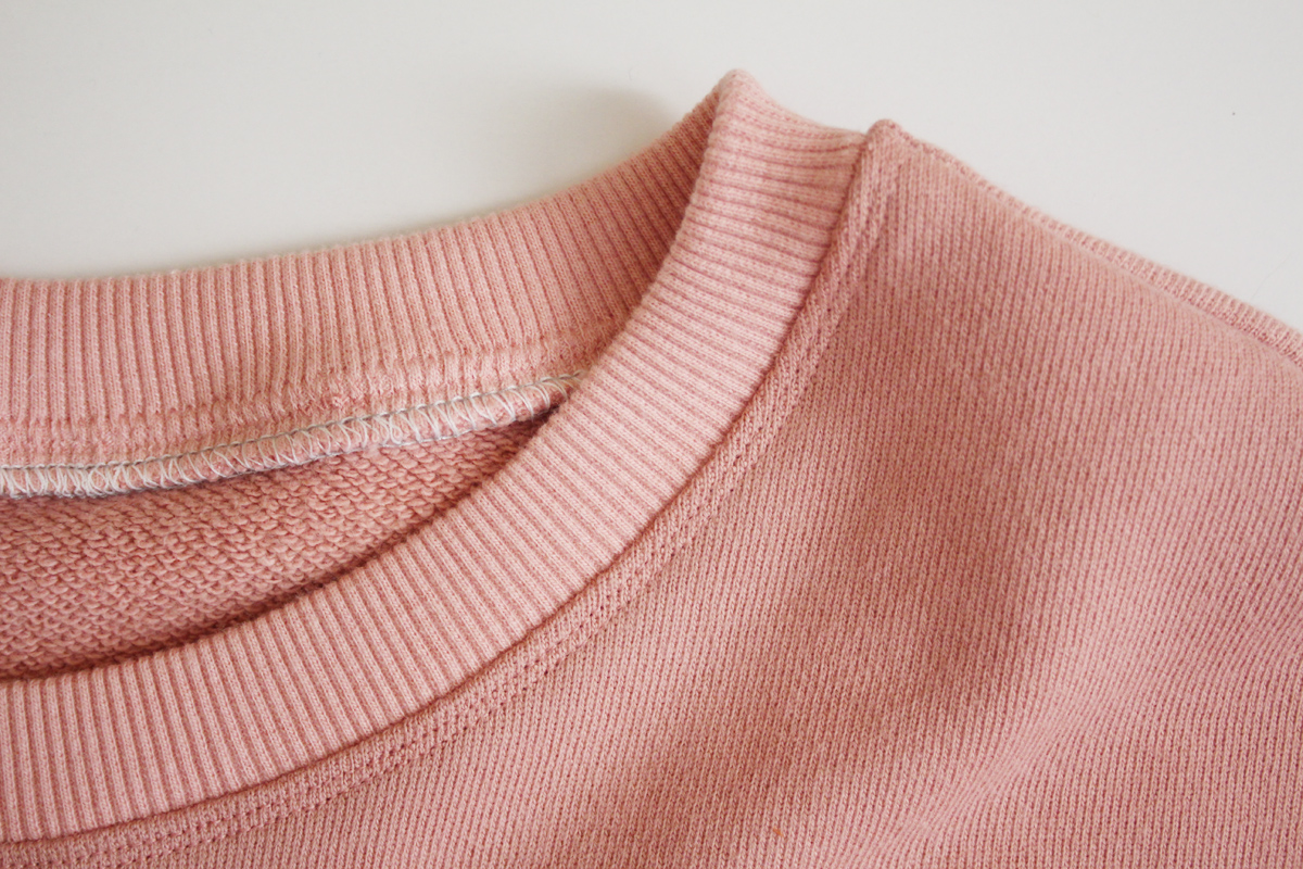 How to sew the neckband on the Jarrah sweater by Megan Nielsen Patterns