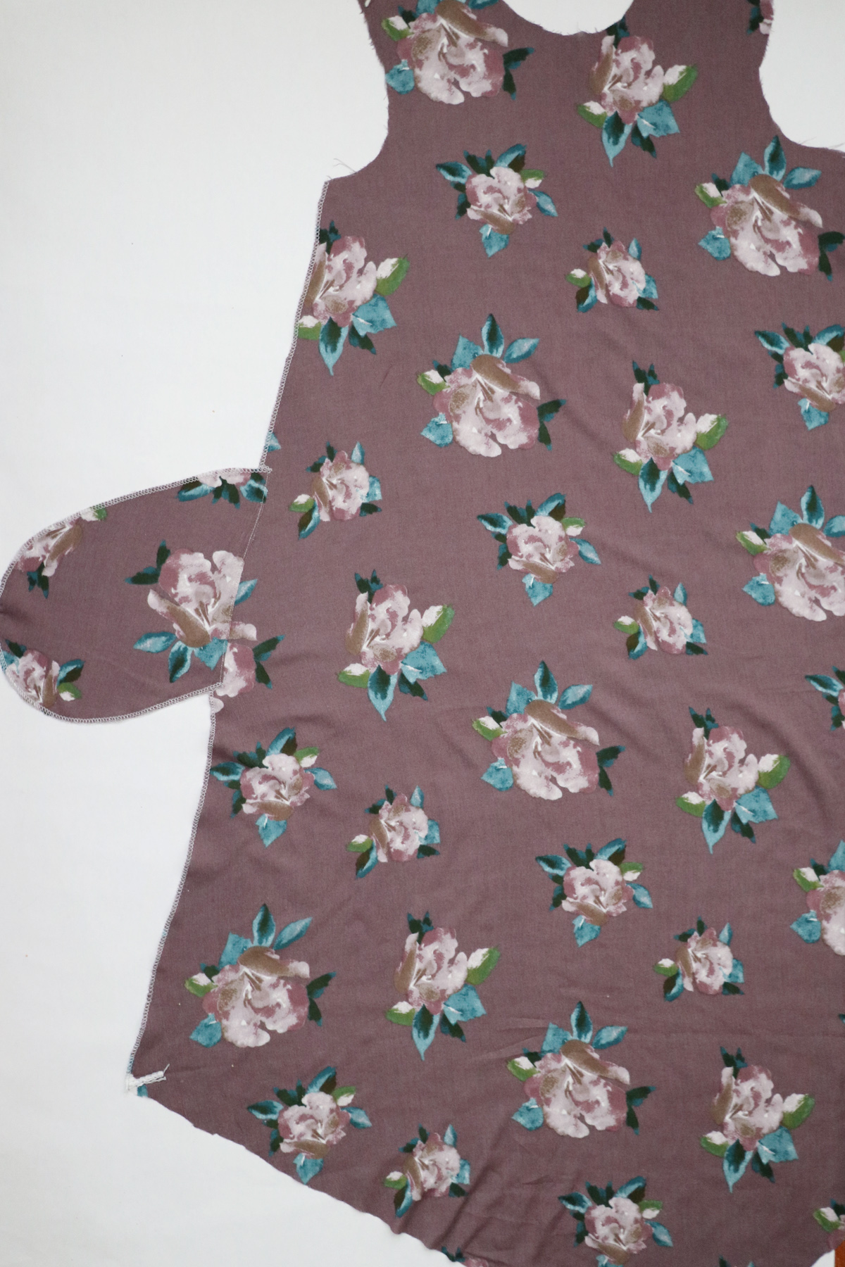 how to sew the pockets and seams on the Floreat dress by Megan Nielsen Patterns