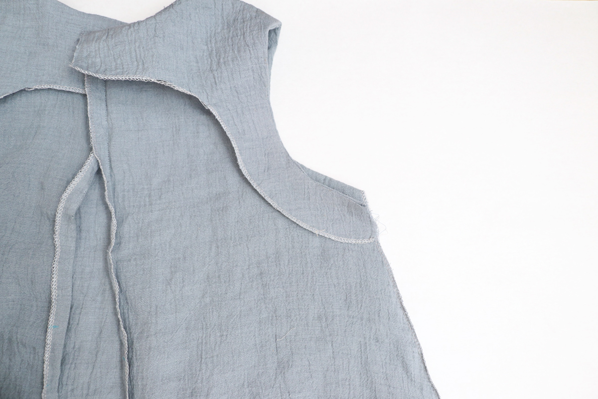 how to sew the sleeveless version of the Floreat dress and blouse by Megan Nielsen Patterns