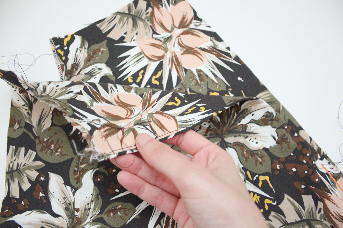 how to sew the pockets on the Wattle skirt by Megan Nielsen Patterns
