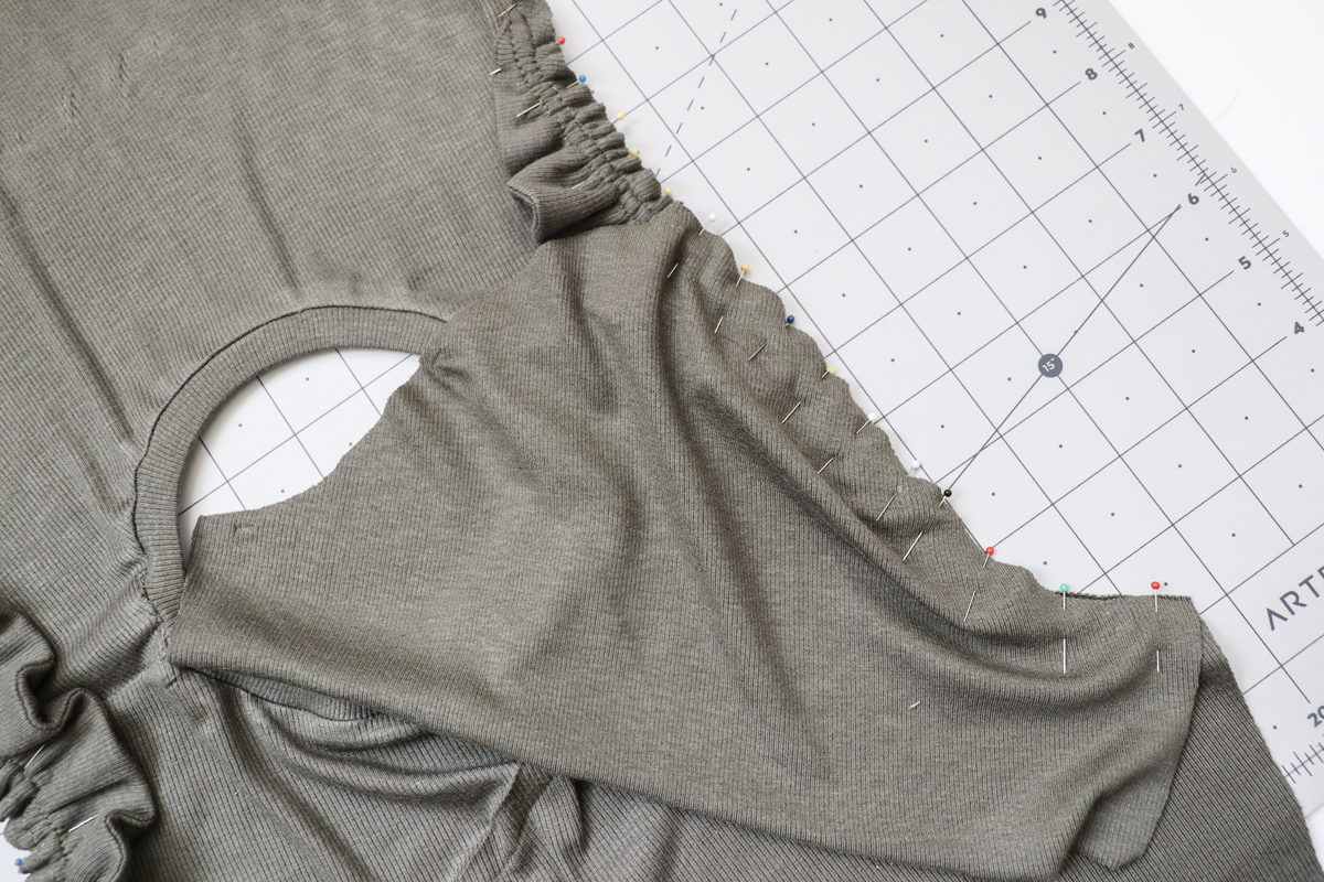 how to add a shoulder ruffle to the Rowan bodysuit and tee by Megan Nielsen Patterns