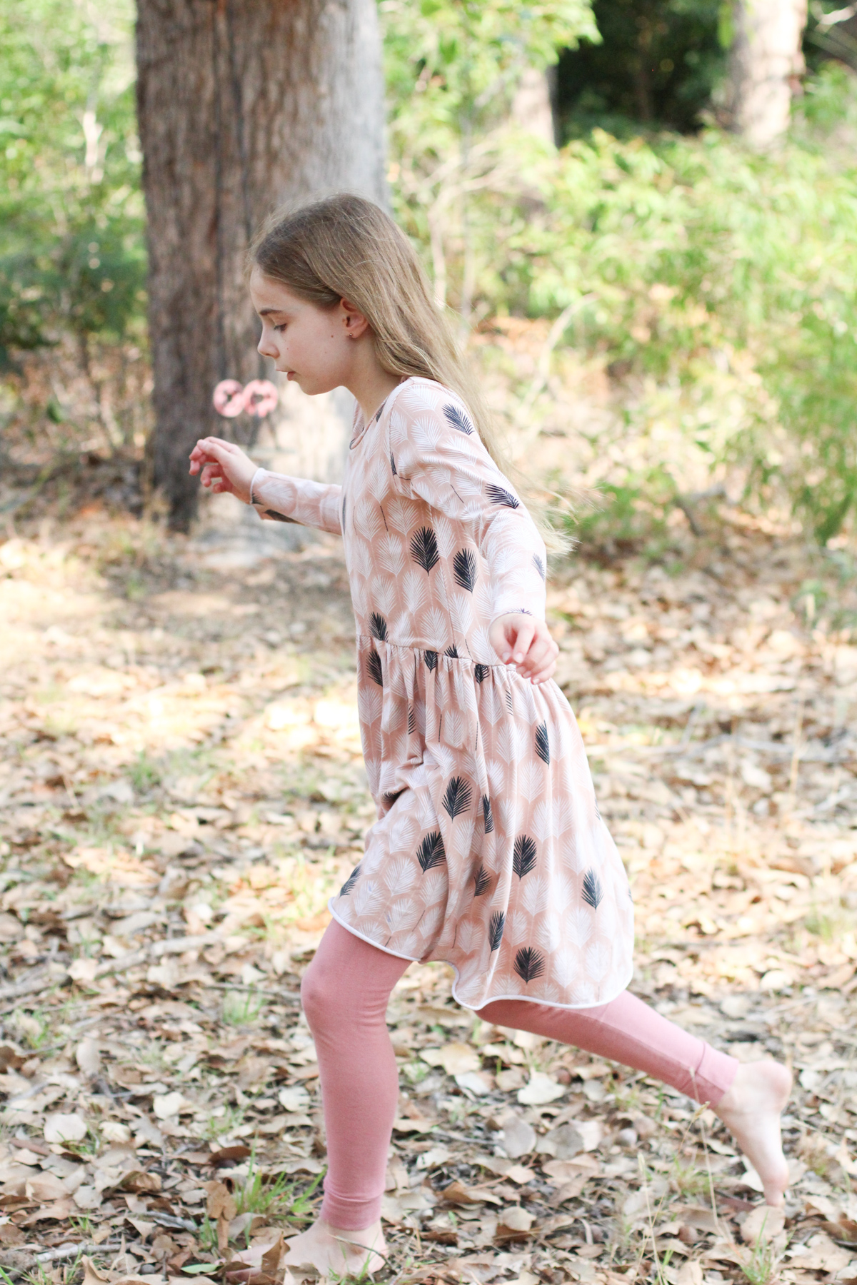 Bunny's Briar dress using Nosh Organics feather print organic cotton jersey // Megan Nielsen Design Diary