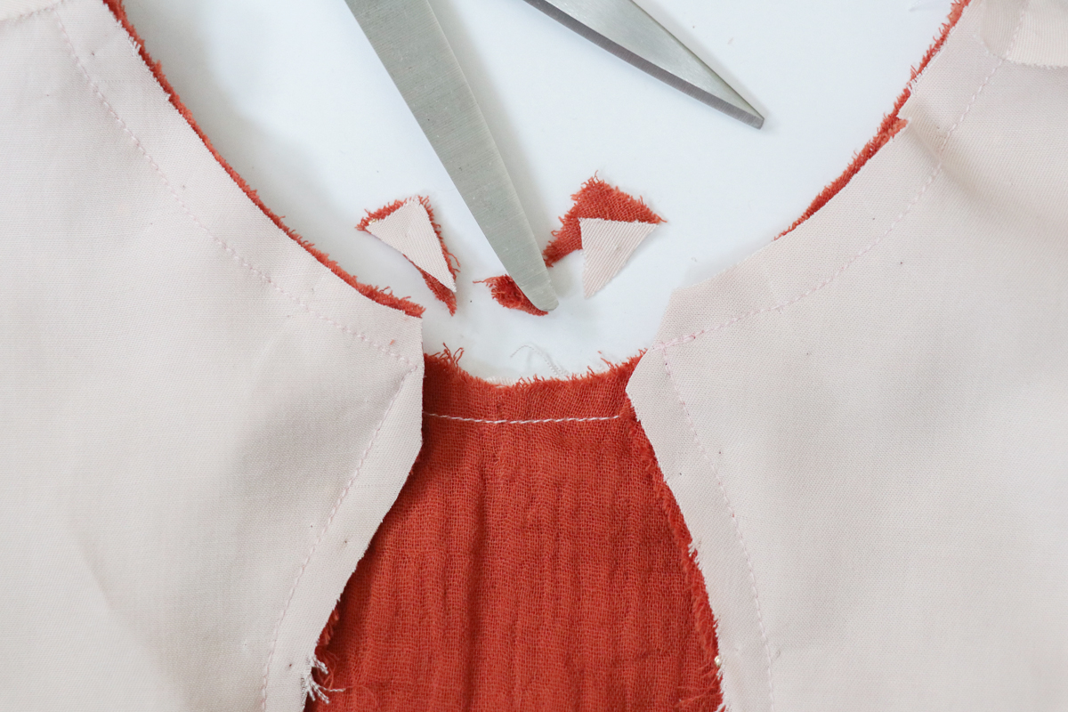 how to add a bodice lining to the Sudley blouse and dress by Megan Nielsen Patterns