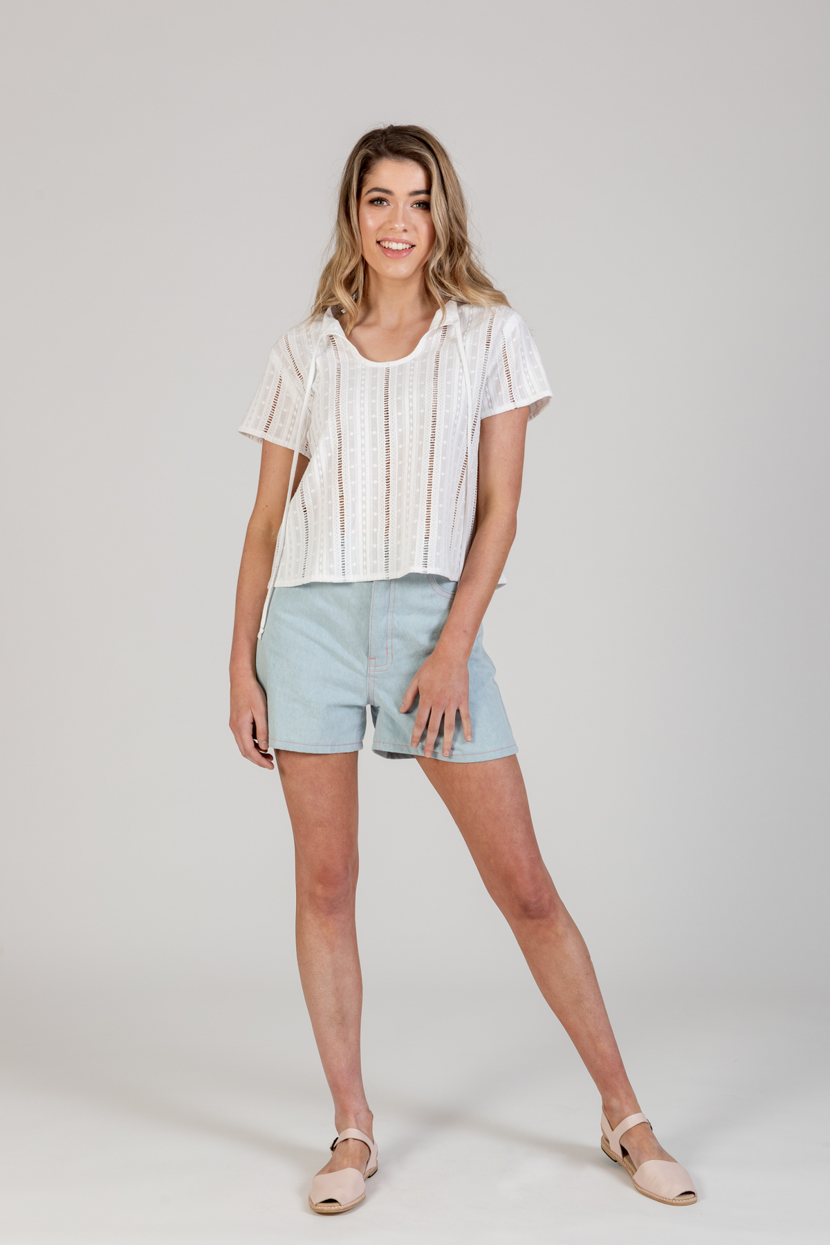 Megan Nielsen Sudley cropped blouse View B includes short sleeves, and lovely long ties. Keyhole can be worn at the back or front of this clever design.