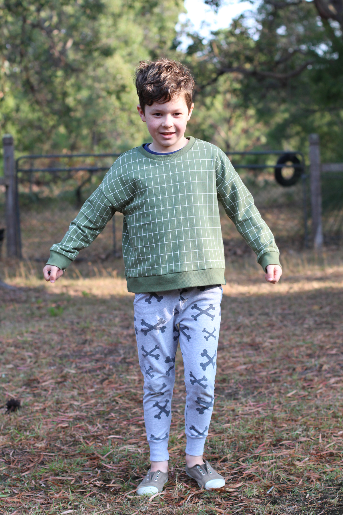 Buddy's Mini Jarrah sweatshirt // Megan Nielsen Design Diary