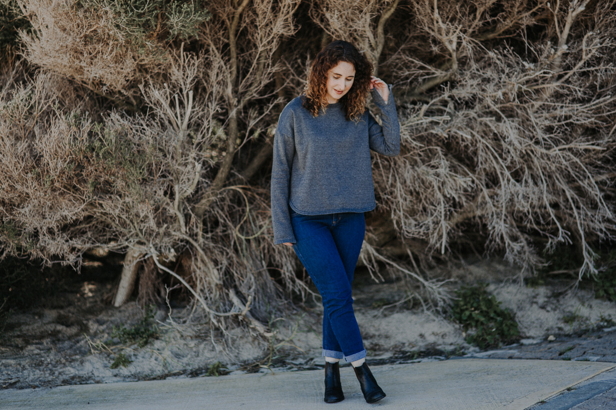 Jarrah sweater View B curved hemline with split sleeve // Megan Nielsen Design Diary