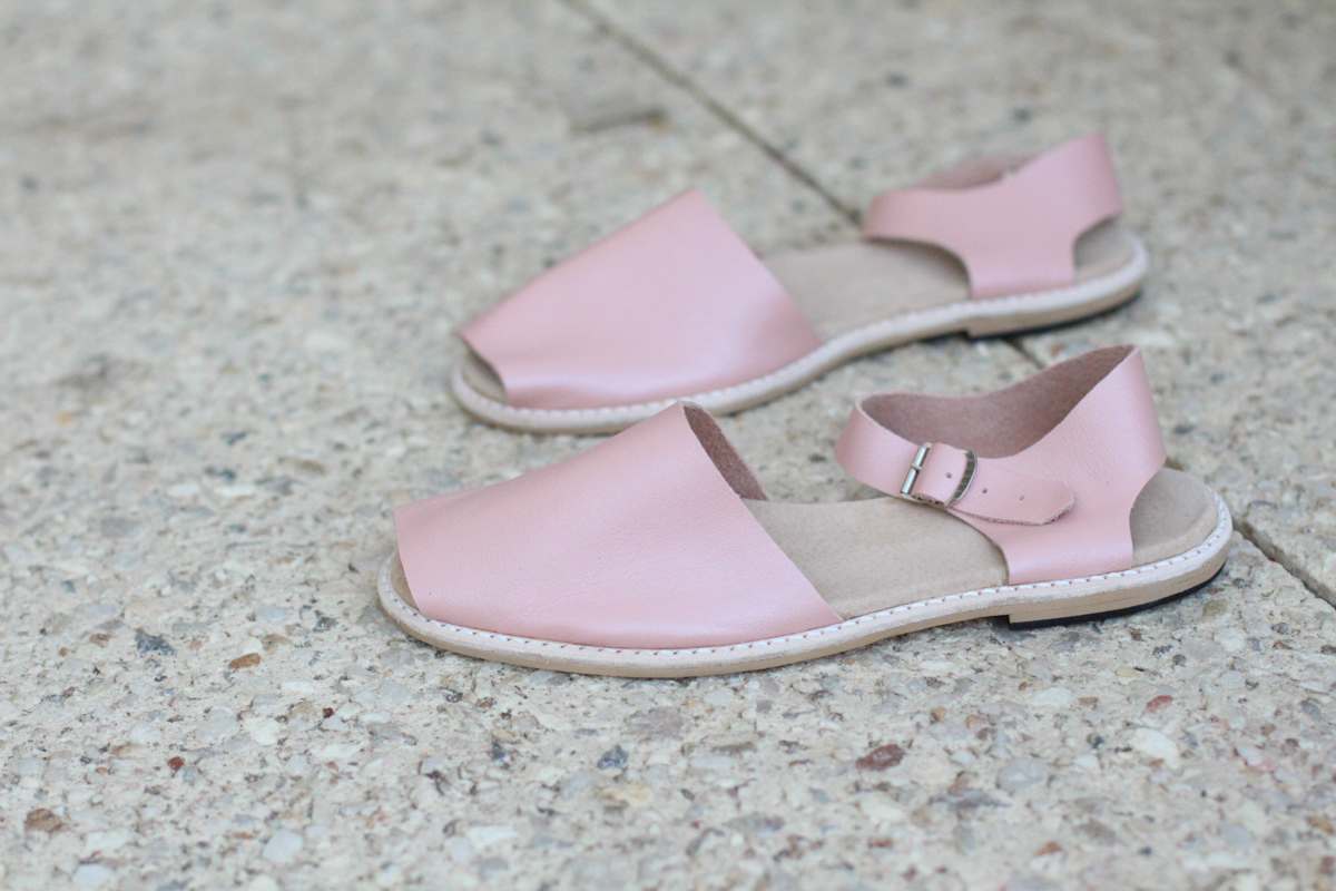 Isolation Shoe Making Plans! These are the Shoe Camaraderie Elodie sandals made with the Elodie kit // Megan Nielsen Design Diary