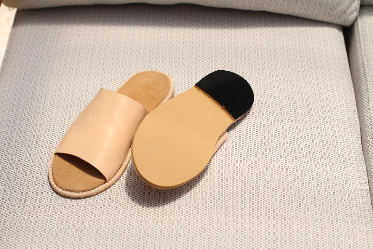 Handmade slides using a kit from The Shoe Camaraderie! // Megan Nielsen Design Diary