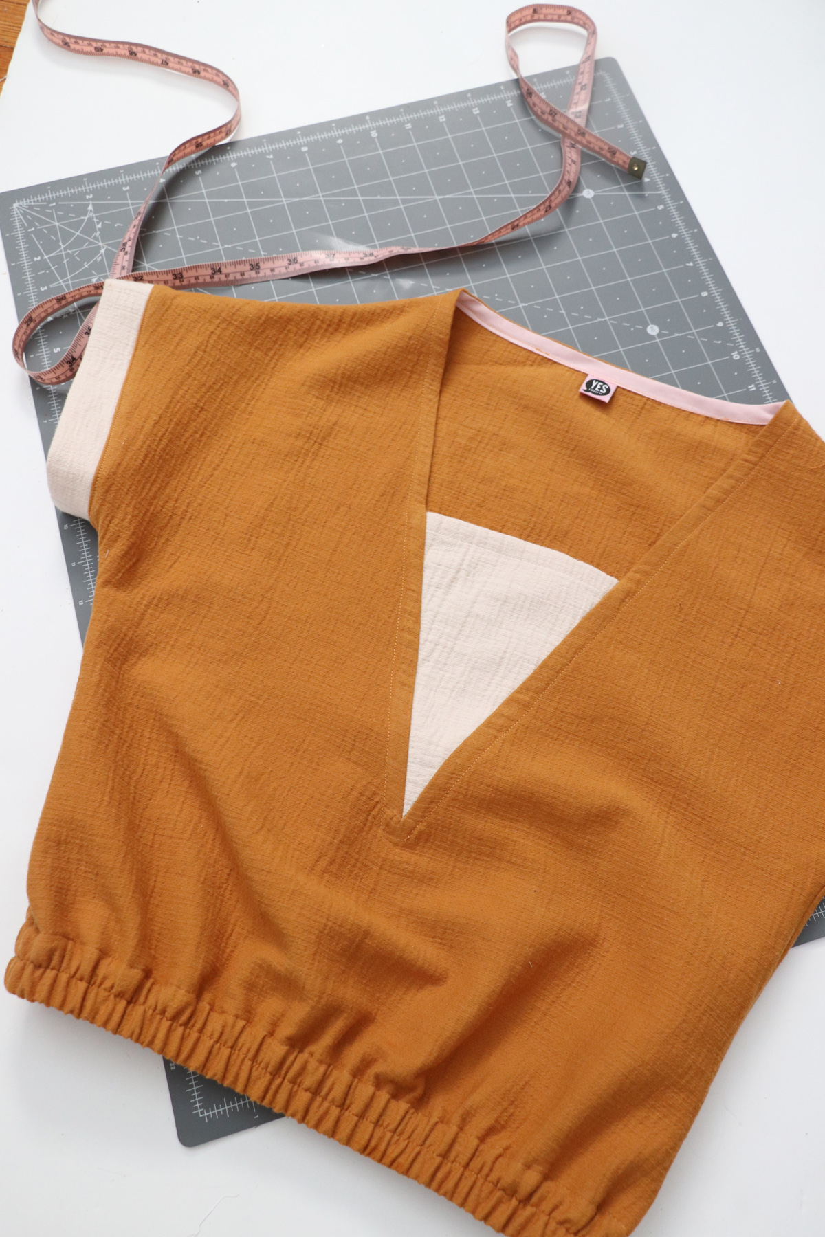 How to make an elastic waist cropped top with the Olive top by Megan Nielsen Patterns