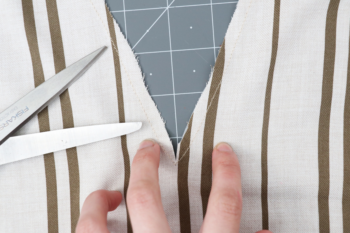 How to prepare the neckline on the Olive blouse and dress by Megan Nielsen Patterns