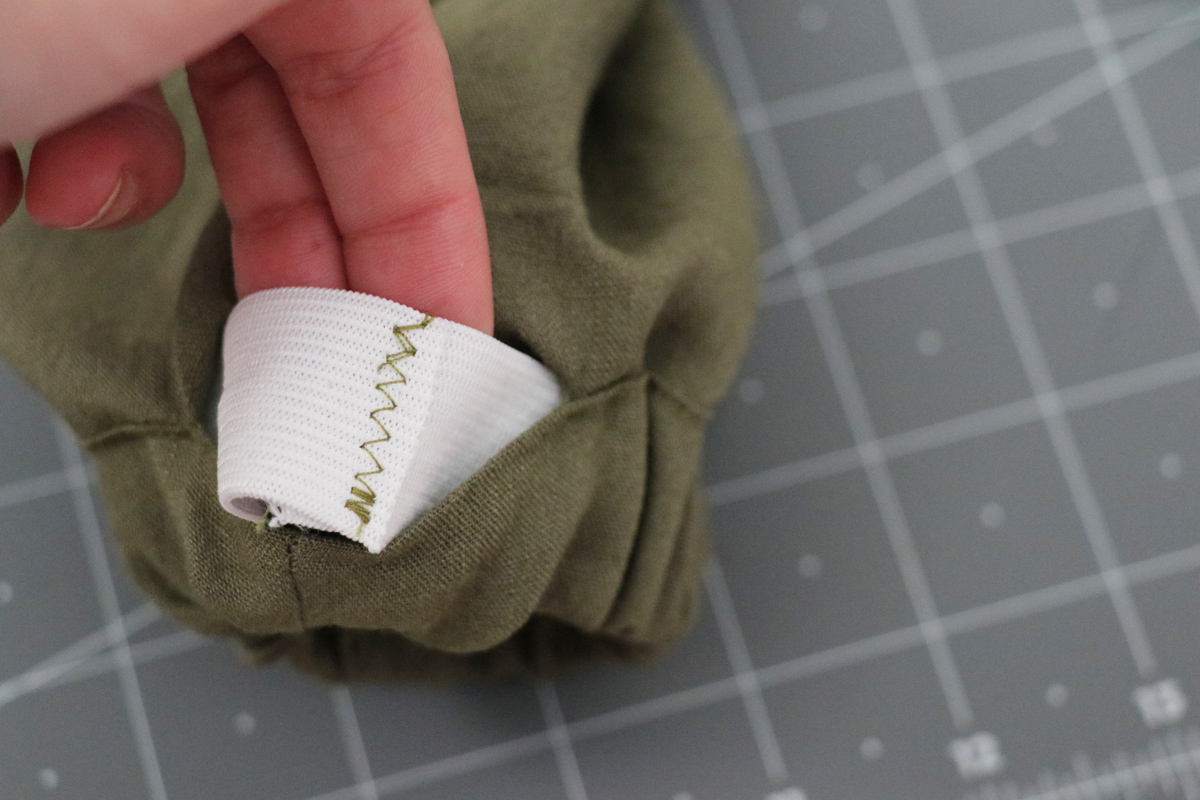 Opal Pants And Shorts - Elastic Hem Hack Step 7 - Stitching To Join Elastic Ends