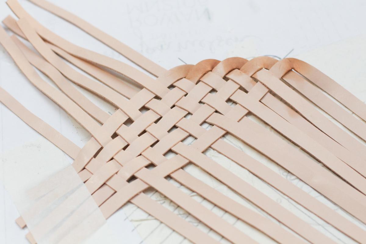 Making Basket Weave Mules weaving straps | Megan Nielsen Patterns Blog