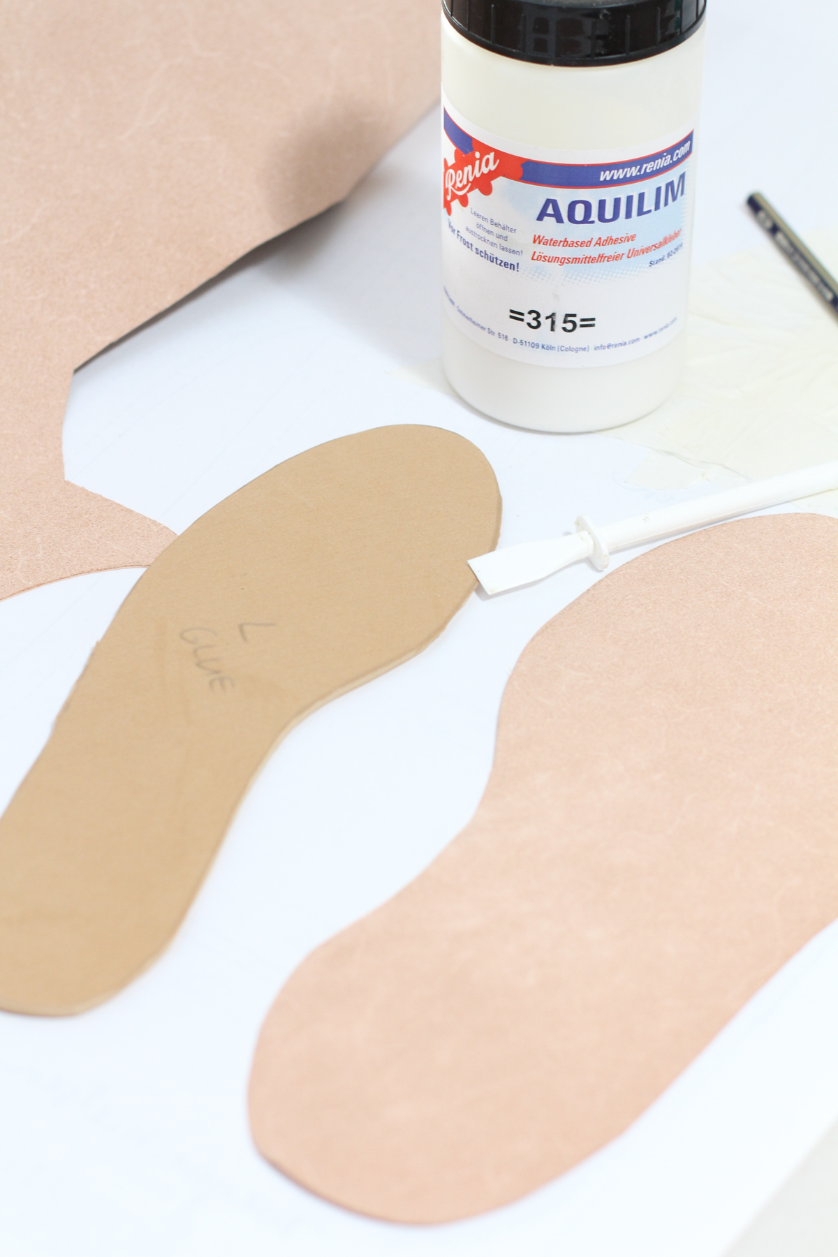 Covering Insoles with vege tan leather to make Basket Weave Mules | Megan Nielsen Patterns Blog