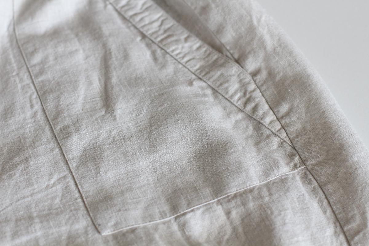 Front patch pocket details of Megan Nielsen's linen Opal Iso Pants