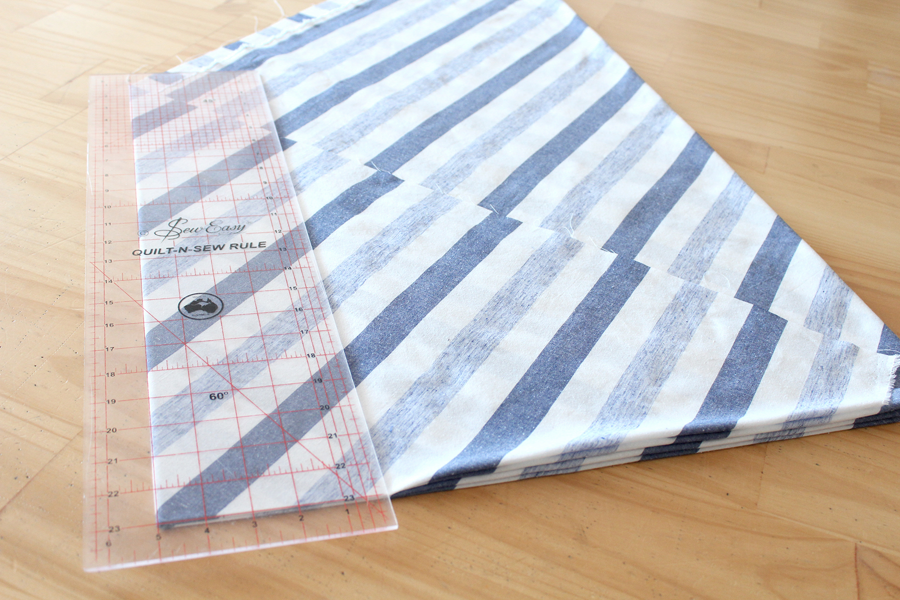 How To Make Bulk Bias Binding - Checking The Edges Are Aligned & The Fold Is A Right Angle