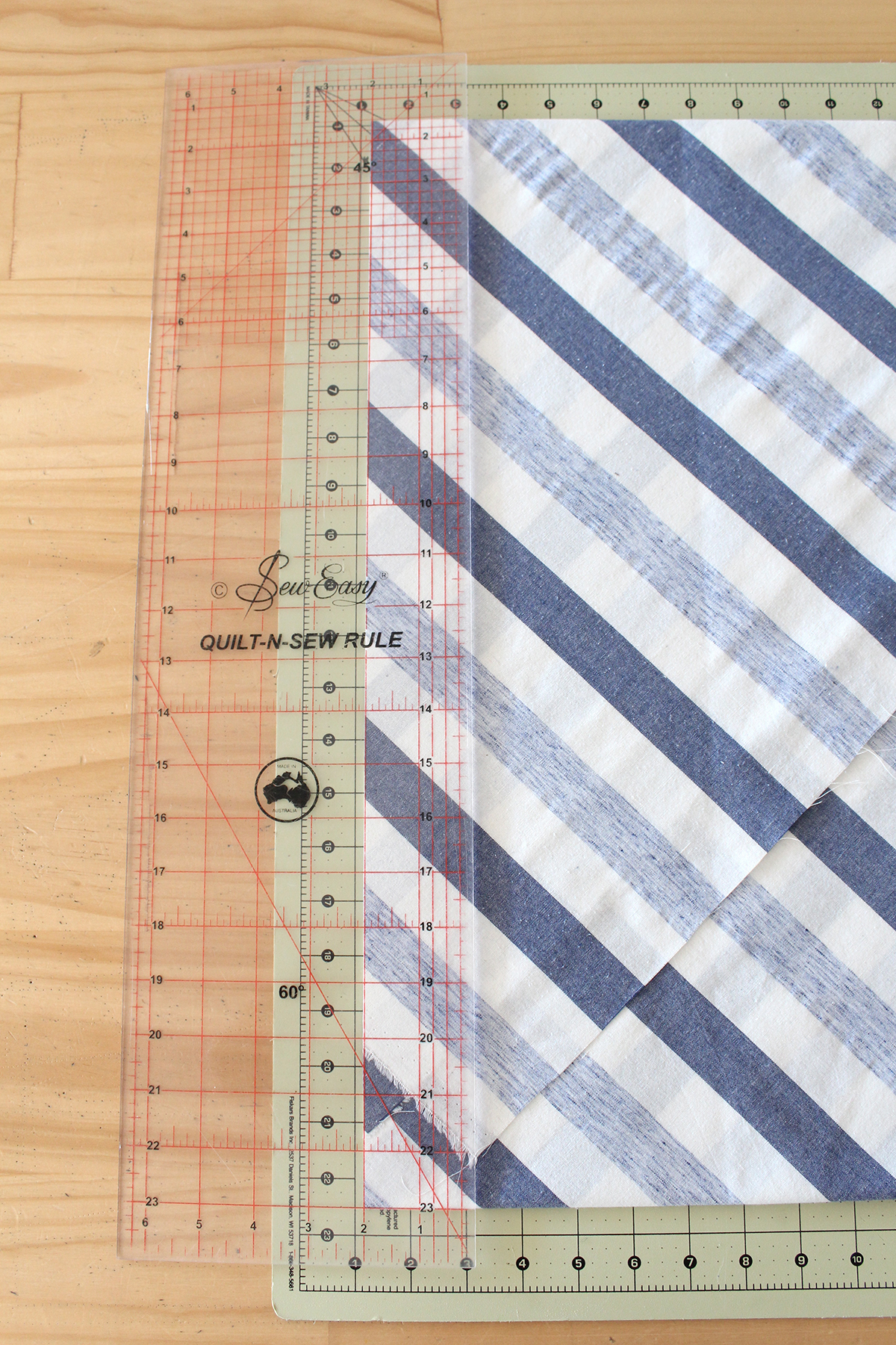 How To Make Bulk Bias Binding - Cutting Your First Bias Strips