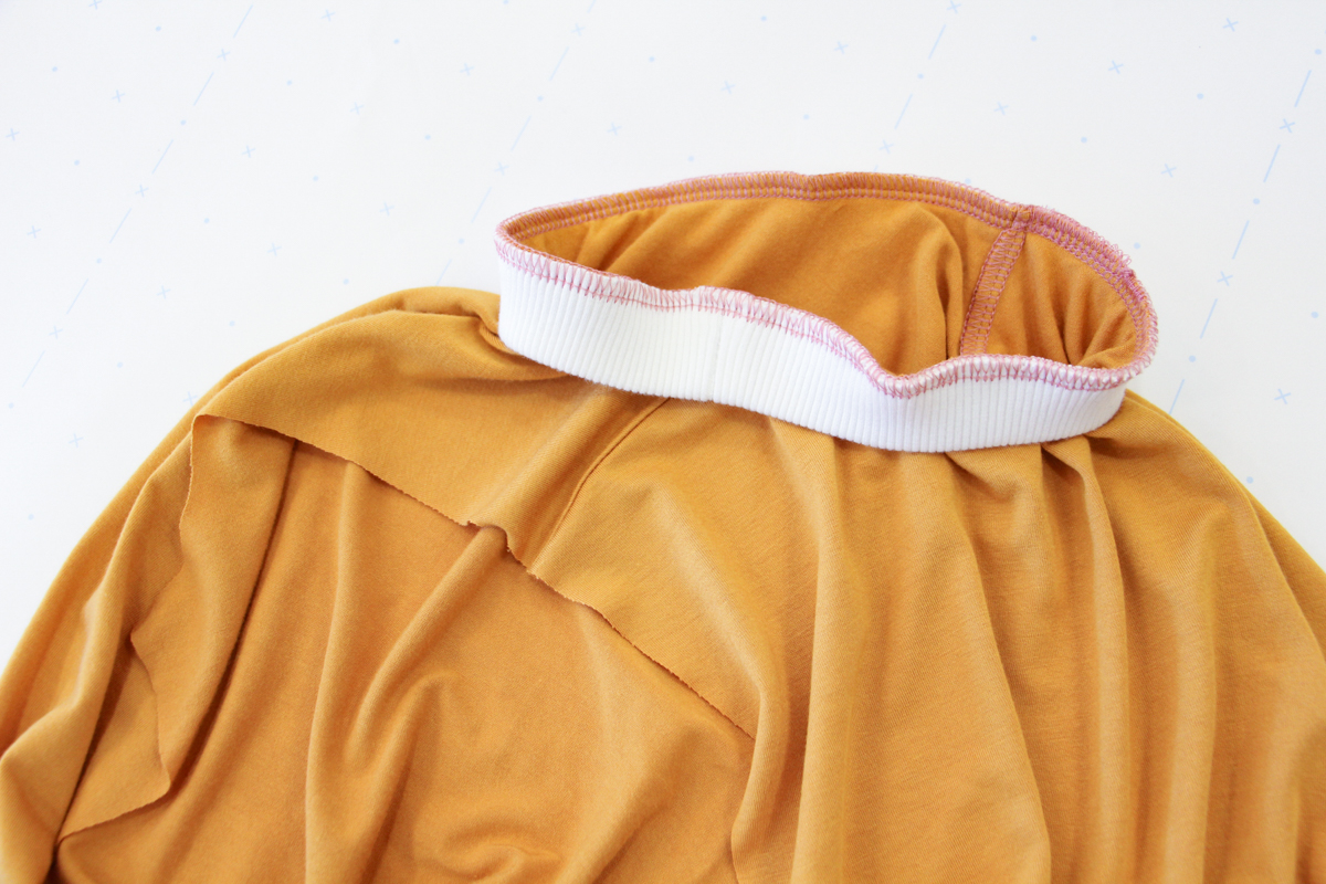 How To Make A Rowan Ringer Tee - Attaching Your Neckband