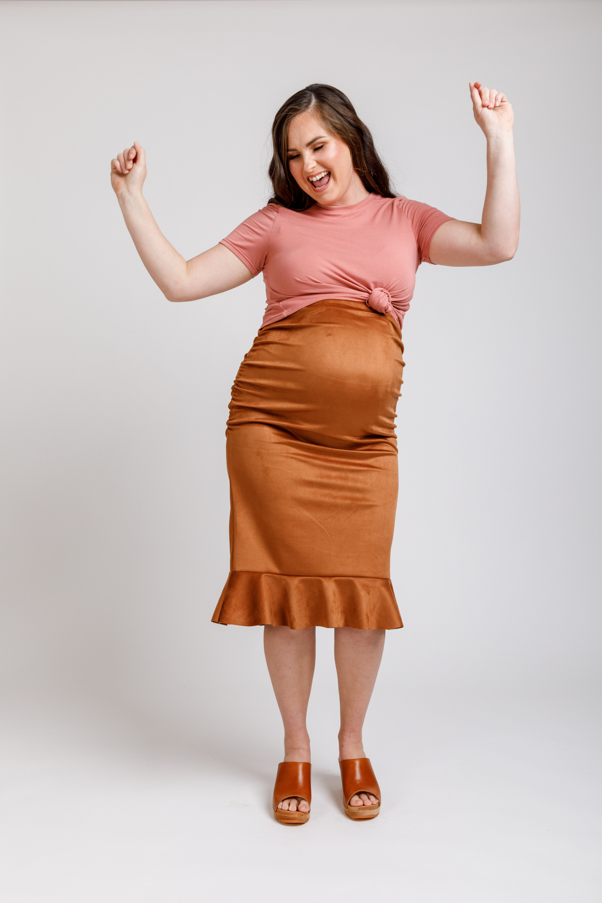 Floreat cropped tee knotted over Erin maternity skirt