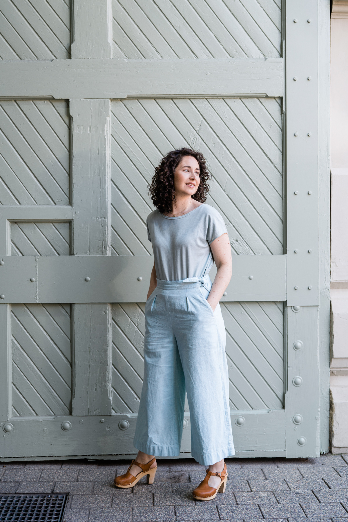 Meg tries #dresslikeacrayon using the Jarrah and Flint sewing patterns.